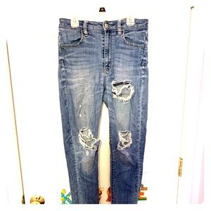 American Eagle Super High-Rise Ripped Jeans